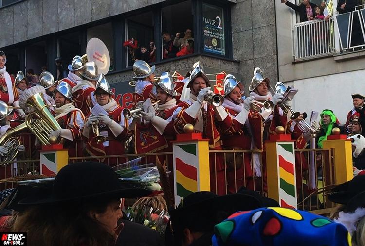 koeln-rosenontagszug_2016_ntoi_12_karneval