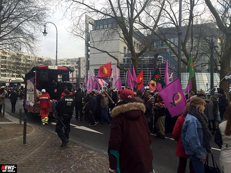 2016_03-12-feministen-demo_02_ntoi_koeln_heumarkt