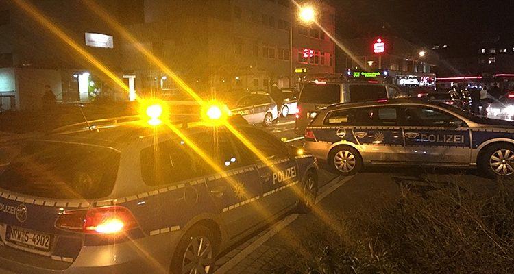 Gummersbach: Verletzter 17-Jähriger vor Diskothek in der Friedrichstaler Straße | Oberbergischer Kreis / NRW