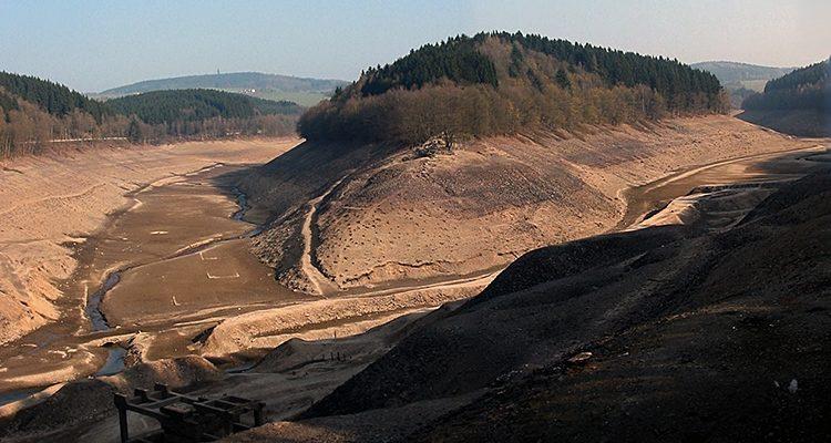 AGGERTALSPERRE 2002 ohne Wasser! Die Zeit um 15 Jahre zurückgedreht. Tolle Bilder aus dem Oberbergischen Kreis | Bergneustadt