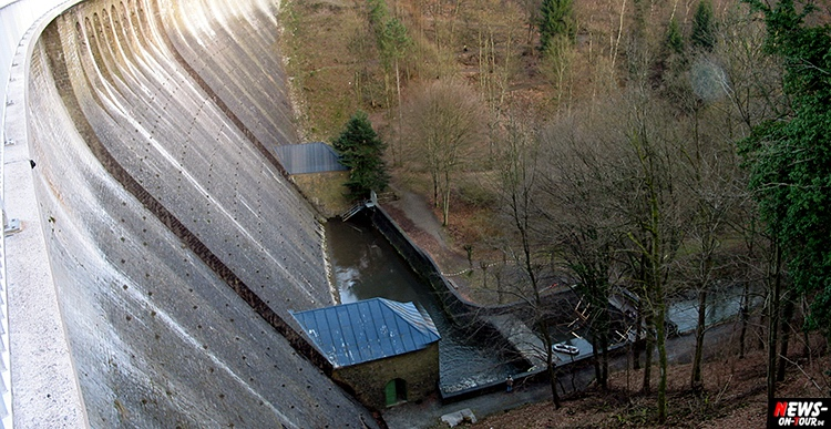 aggertalsperre_07_bergneustadt_ntoi_2002-ohne-wasser