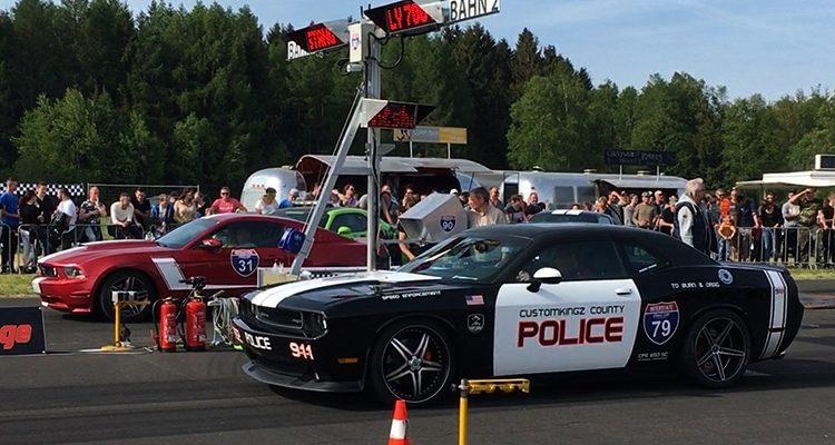 Meinerzhagen / Marienheide: US Drag DAY Bilanz! Teilnehmer crasht ungebremst in 5 Fahrzeuge. 493 Verstößen, 67 Ordnungswidrigkeiten und 426 Verwarnungsgelder