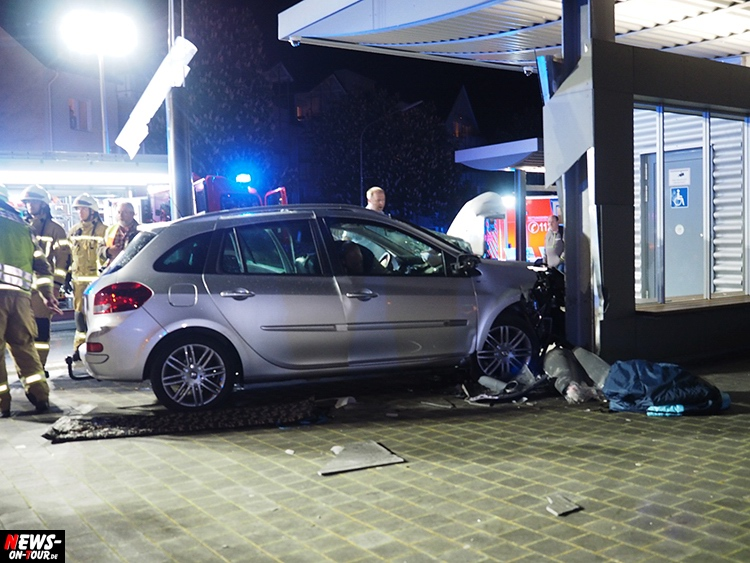 2016_06-20_wiehl_05_pkw_busbahnhof_unfall