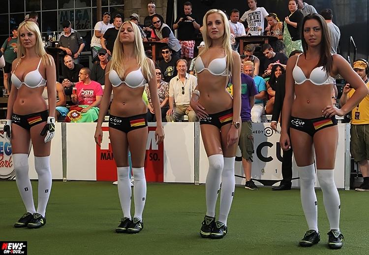 uefa-euro-2016_ntoi_04_sexy_fussball_football-girls_babes_kick-lingery_underwear_models_bra_bh_megapark_mallorca