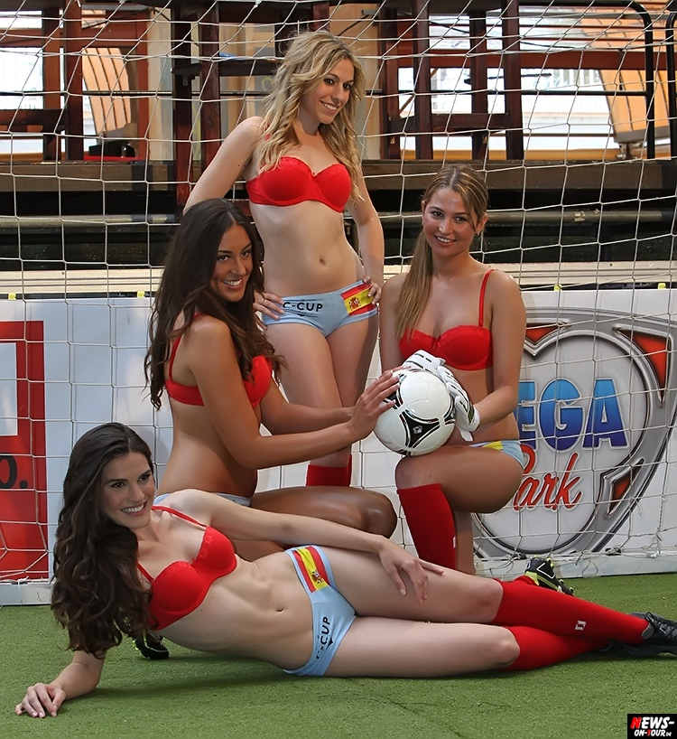 uefa-euro-2016_ntoi_42_sexy_fussball_football-girls_babes_kick-lingery_underwear_models_bra_bh_megapark_mallorca