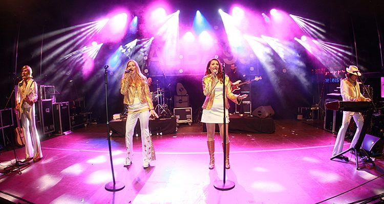 Gummersbach feierte ABBA und Simon & Garfunkel! Rund 3.000 Zuschauer beim 17. Lindenplatz-OpenAir | +HD-Video