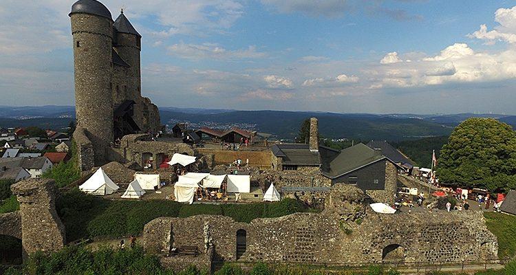 Burg Greifenstein: Mittelalterlicher Markt mit Celtic Rock Open Air. Voller Erfolg für das Team von VPZ Veranstaltungen aus Gummersbach   + HD-Video