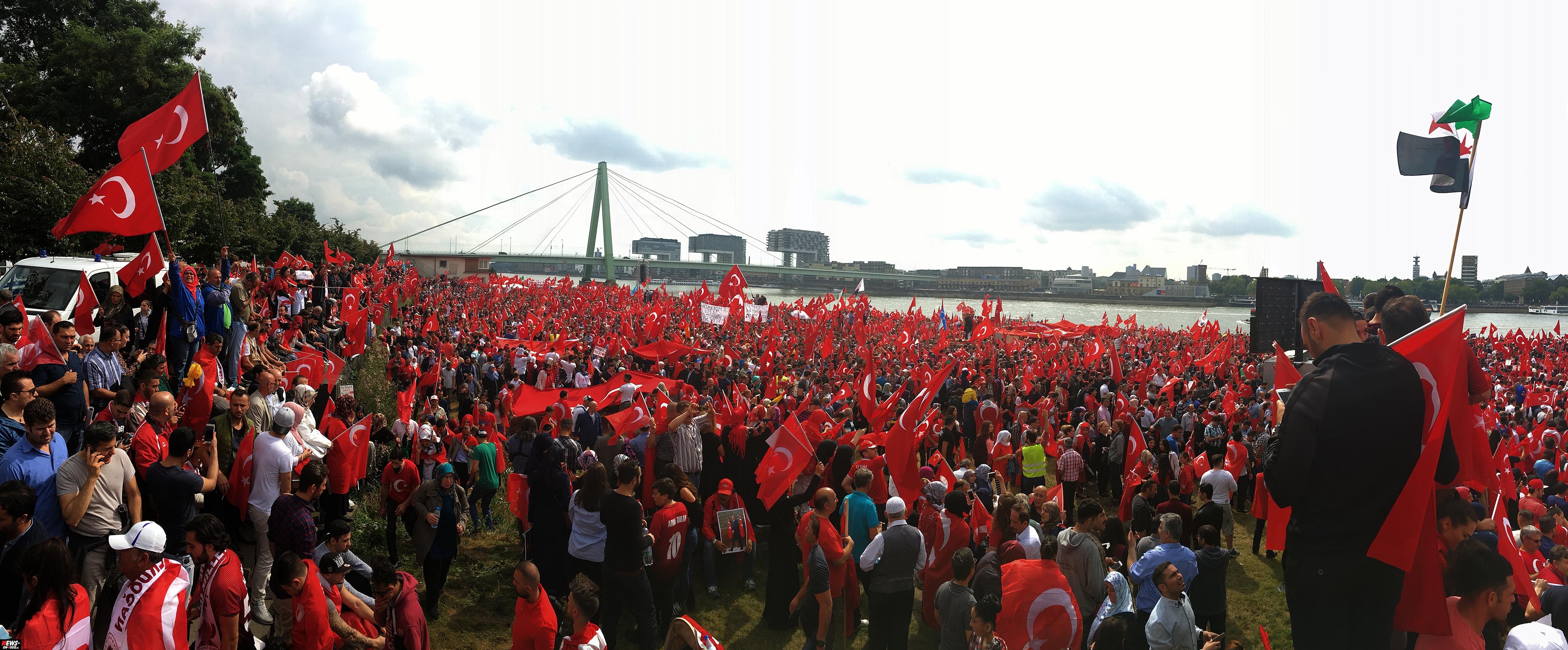 Bildergebnis für demo koeln 2016 erdogan