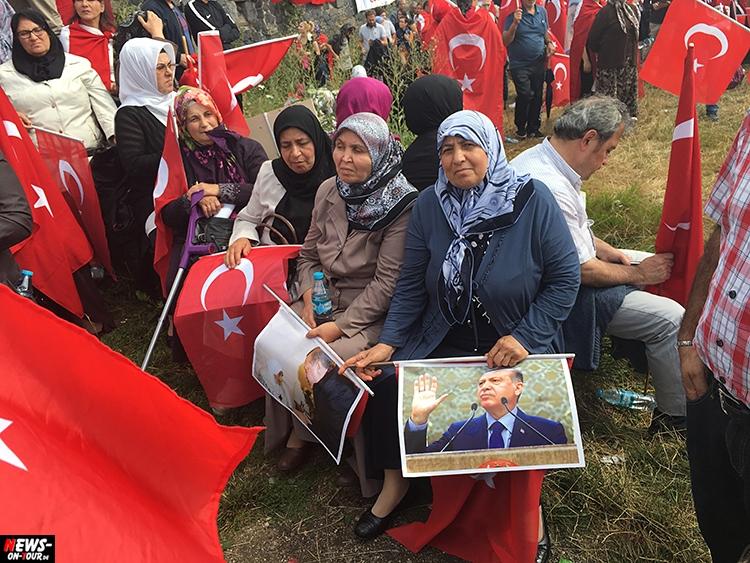 2016-07-31_erdogan-pro-demo_koeln_05_ntoi_deutzer-werft