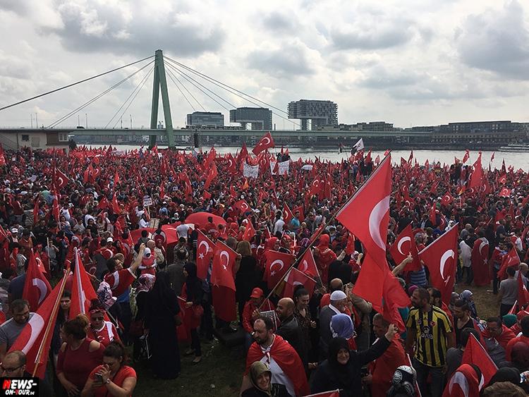 2016-07-31_erdogan-pro-demo_koeln_17_ntoi_deutzer-werft