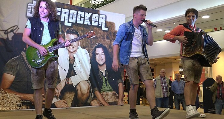 DORFROCKER stellen ihre neue CD: ´Heimat. Land. Liebe´ im EKZ Bergischer Hof in Gummersbach vor | Bonus: Ultra 4K HD Video im Bericht