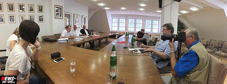 bergneustadt-pressekonferenz_04_ntoi_paul-daub_wilfried-holberg-frank-grebe_ratsaal_stadthotel_investor