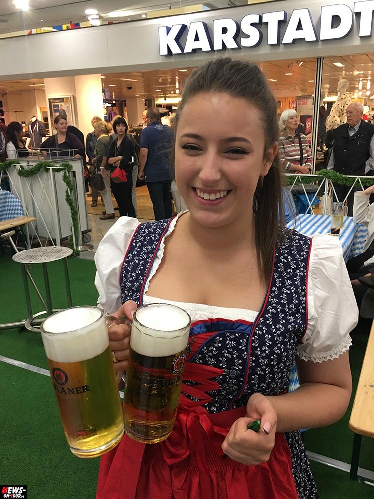 Hübsche sexy Mädchen Oktoberfest Dirndl o-zapft-is_oktoberfest_ntoi_10_ekz_bergischer-hof_gummersbach_oberberg