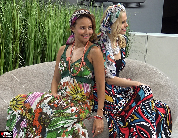 Hot Girls Chicks Blond brunette babe booth photokina-2016_ntoi_04_koeln-messe_cologne_fair_drohne_drone_gopro_karma_aee_canon