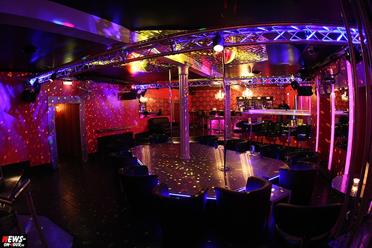catwalk-table-dance-club_ntoi_03_nachterlebnis_strip-clup_disco_erotic_erotik_pole-dance