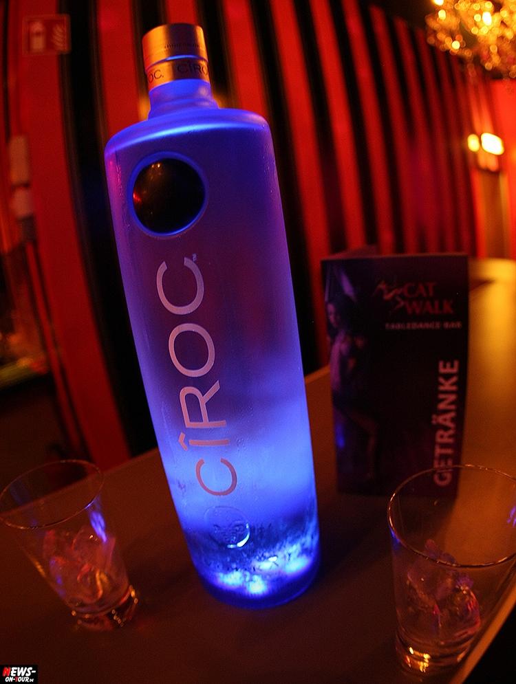 catwalk-table-dance-club_ntoi_04_nachterlebnis_strip-clup_disco_erotic_erotik_pole-dance
