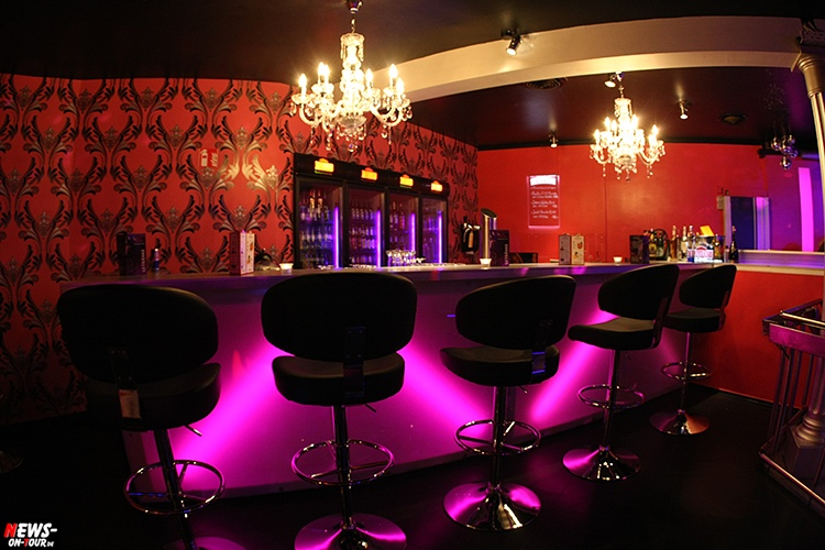 catwalk-table-dance-club_ntoi_09_nachterlebnis_strip-clup_disco_erotic_erotik_pole-dance