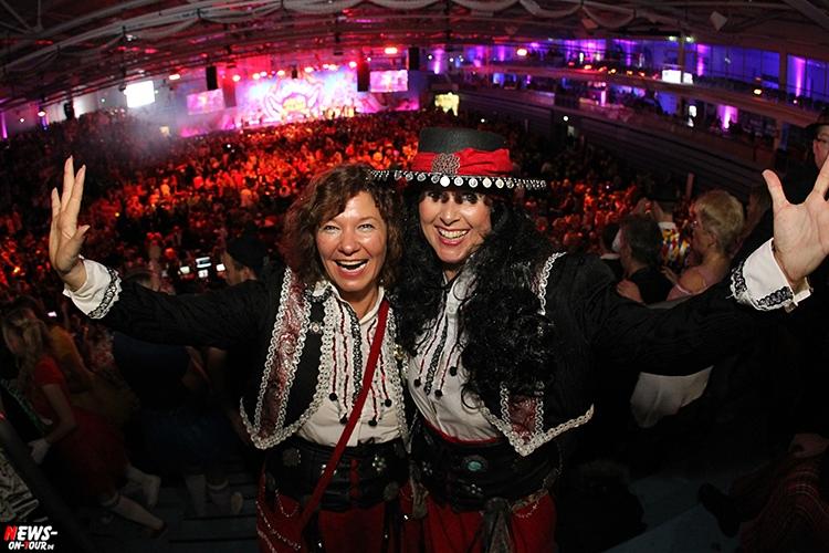 arena-alaaf_2016_ntoi_06_schwalbe_arena_gummersbach_karneval_brings_domstuermer_kasalla