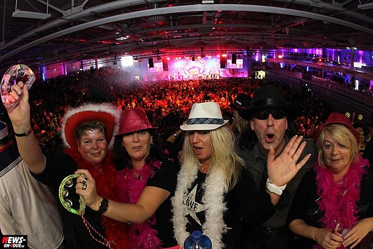 arena-alaaf_2016_ntoi_19_schwalbe_arena_gummersbach_karneval_brings_domstuermer_kasalla