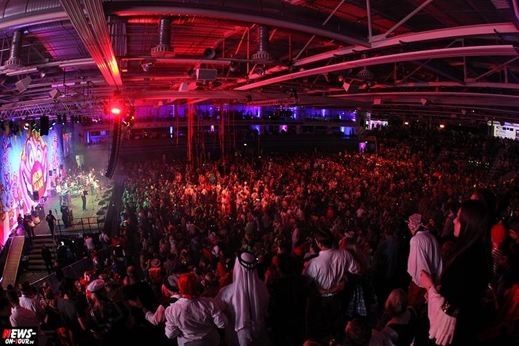 arena-alaaf_2016_ntoi_23_schwalbe_arena_gummersbach_karneval_brings_domstuermer_kasalla