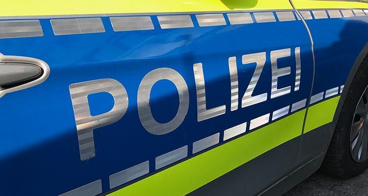 Radevormwald: Ich knall Euch alle ab! Polizisten mit Waffe bedroht