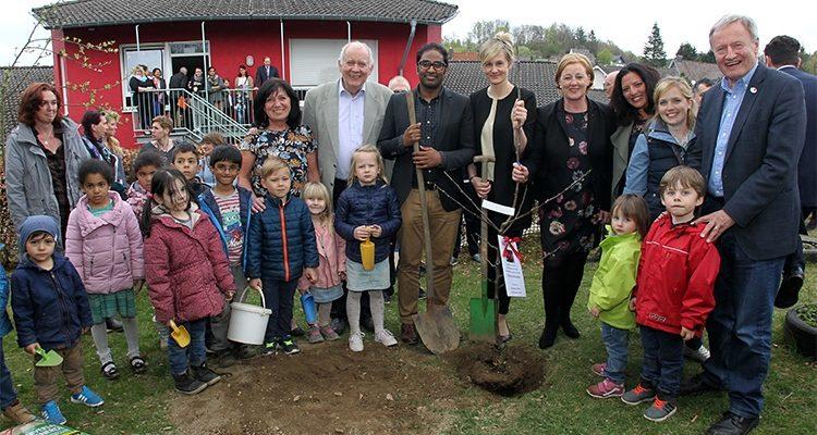 NRW Ministerin Christina Kampmann zu Besuch in Bergneustadt! Grund war die Übernahme der sieben Kindertagesstätten durch den Verein für soziale Dienste | Oberbergischer Kreis (NRW)