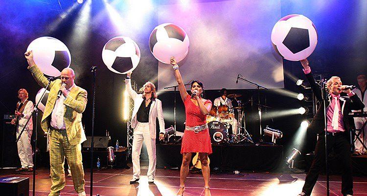 Disco-Nacht 2017 Gummersbach: 18. Lindenplatz Open-Air mit Hermes House Band und Majordad am Fr. 14.07.2017