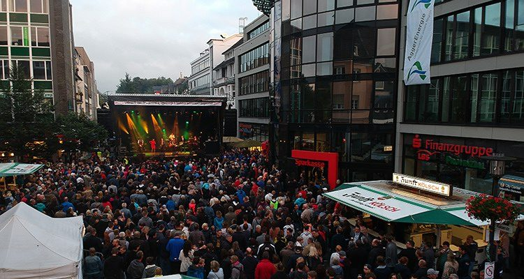 LINDENPLATZ OPEN-AIR 2018 (Gummersbach) Motto: Kölsch-Rock-Bands mit Kasalla, Querbeat und The Höösch