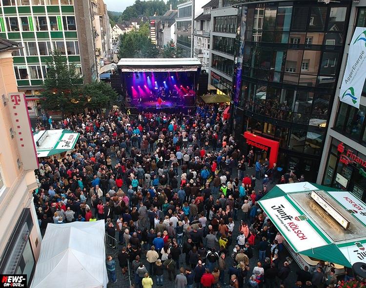 2017_07-15_ntoi_03_lindenplatz-open-air_gummersbach_hermes-house-band.jpg