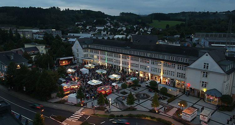 16. Rathaus Platz Open-Air in Bergneustadt: 2.500 Zuschauer im VOODOO Fieber | Mit Video