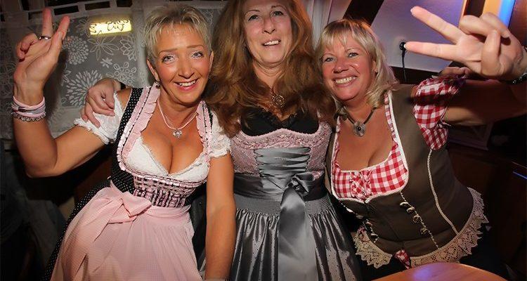 Gummersbach: Oktoberfest Party bei Bobby in Derschlag ein Riesenerfolg! DIE BILDER aus der Holländer Diele (Oberbergischer Kreis) NRW