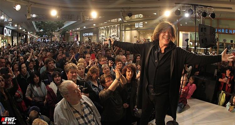 Jürgen Drews füllte die City-Galery Siegen! Toller Auftritt vom König von Mallorca im Siegerland | Mit HD-Videoclip!