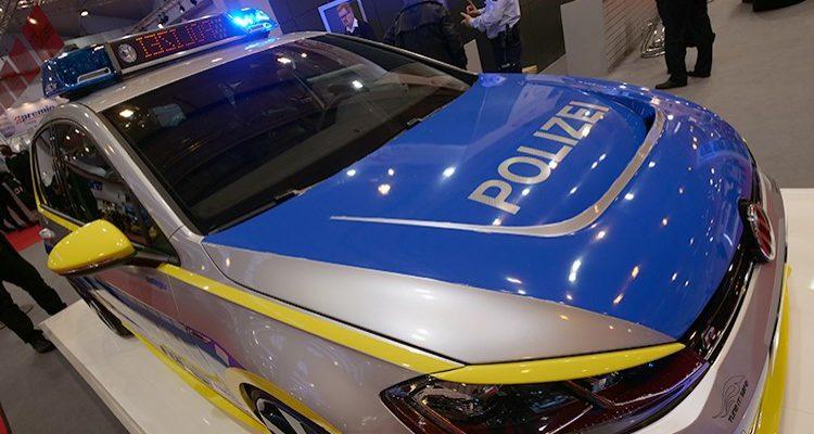 Polizisten verfolgen Algerischen Autodieb via App. Festnahme! (Köln) Beinahe Passanten umgefahren