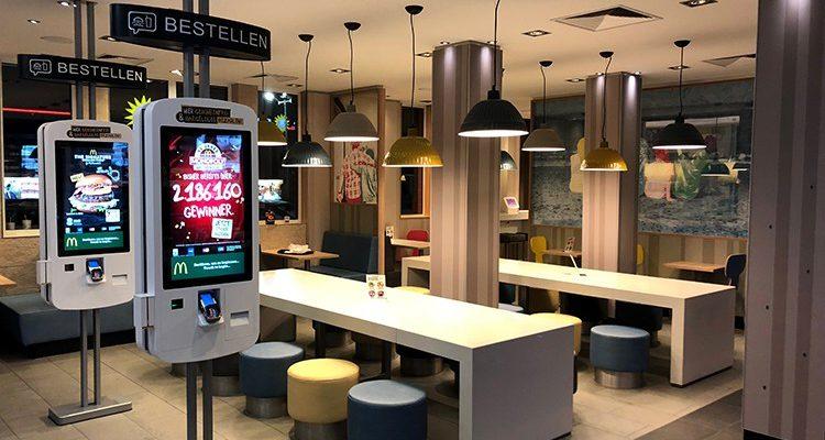 Weg vom Mindestlohn-Image! Beschäftigte in McDonalds, Burger King & Co. sollen mehr Geld bekommen