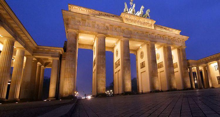 Warum heisst das Brandenburger Tor eigentlich nicht Berliner Tor?