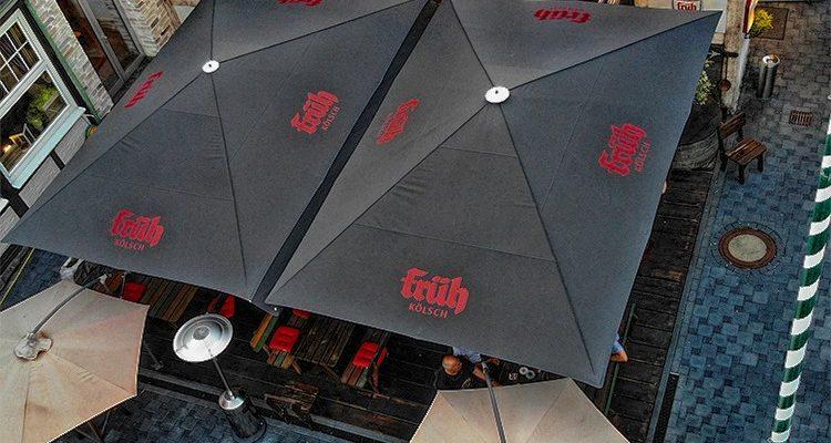 PLATTES WIEHL mit neuen wetterfesten Sonnenschirmen im Biergarten! Hier ist Gastlichkeit zu Hause…