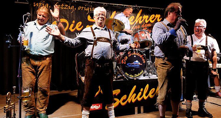 Volles Haus zum 2. Bergneustädter Oktoberfest! Die Schilehrer aus dem Stubaital heizten den Krawinkelsaal ein (Mit Video)
