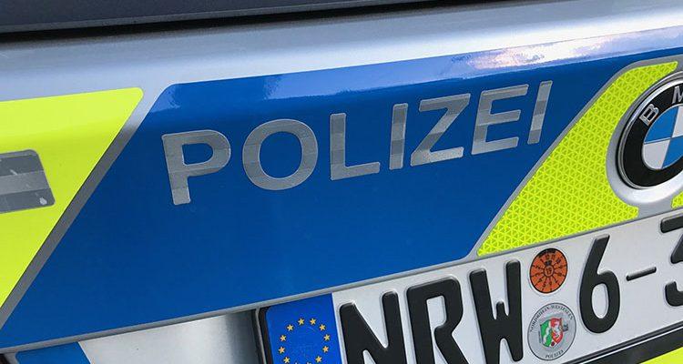 Wipperfürth: Kind (2) allein im Auto zurückgelassen. Notarzt schlug Scheibe ein