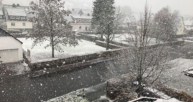 Wipperfürth: Auf eisglatter Fahrbahn verunfallt! Vorsicht vor plötzlicher Eisglätte in den Morgenstunden
