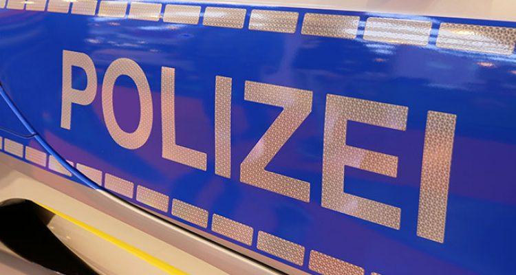 Oberbergischer Kreis: Vier aktuelle Polizeimeldungen! Trickbetrüger scheiterten, Zusammenstoß mit Traktor,  Unfallflucht und Zeugensuche