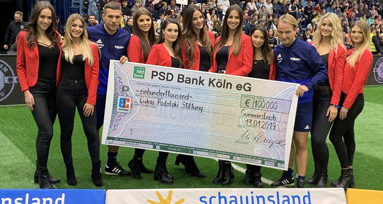 Gummersbach: Schauinsland-Reisen Cup 2019! 100.000 Euro gespendet. Arminia Bielefeld siegt beim Kicken für den guten Zweck