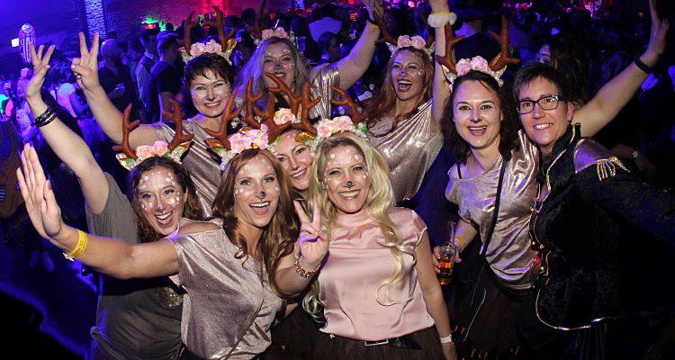 Karneval in Gummersbach: Volles Halle 32 an Weiberfastnacht! DIE FOTOS DES ABENDS