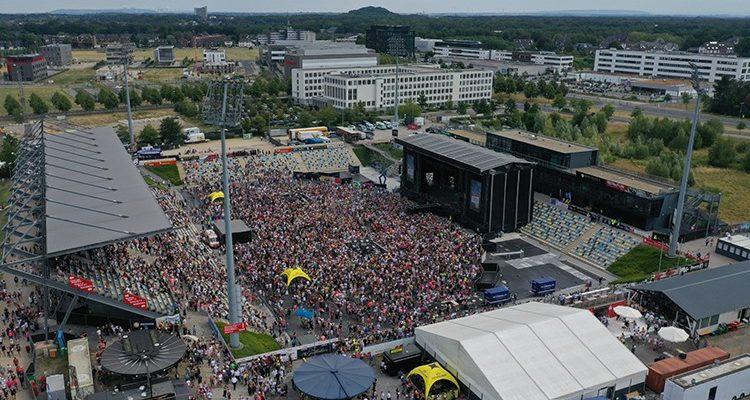 20.000 Zuschauer @Mönchengladbach Ole 2019 (Backstage Report) DIE BILDER! Creme de la Crema der Partyszene gab sich im SparkassenPark zur Ballermann Party die Klinke in die Hand