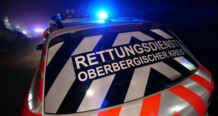 Gestohlener Audi A4 in Flammen (Gummersbach) Rettungswagen übernahm erste Löscharbeiten