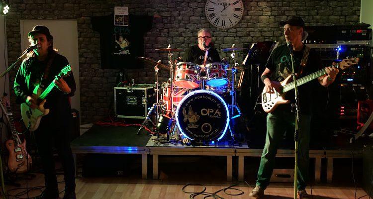 Härteste Oldie-Band Deutschlands ´OPA´ rockte und begeisterte zum Hammer-Music Event im Rahmen des SCHWALBE Wintermärchens in Bergneustadt