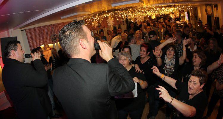 Hammer Music Schlager-Nacht mit SUNRISE begeisterte auf dem SCHWALBE Wintermärchen in Bergneustadt