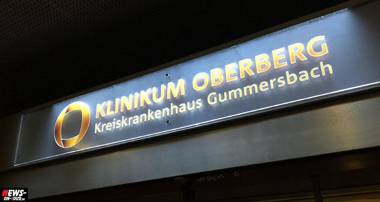 Aufbau von Zelten für Triage am Kreiskrankenhaus Gummersbach