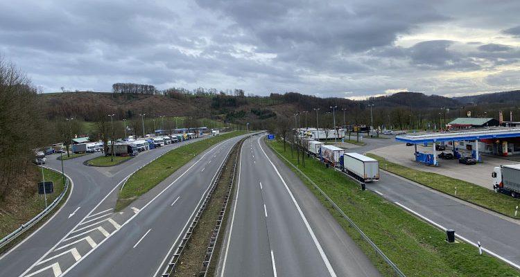 Straßen.NRW: Bis zu 80 Prozent weniger Verkehr auf den Autobahnen am letzten März-Wochenende