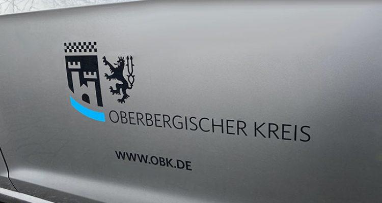 23 Fahrzeuge kontrolliert! Zwei Festnahmen bei Lebensmittel- und Transportkontrolle im Oberbergischen Kreis