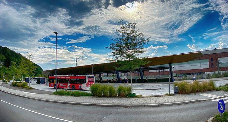 Gummersbach:Bei Streit! 14-jähriger schlägt mit Machete im Bereich der Unterführung Busbahnhof zu